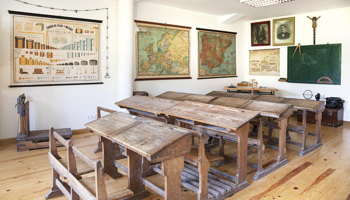 2 · Museo Escuela