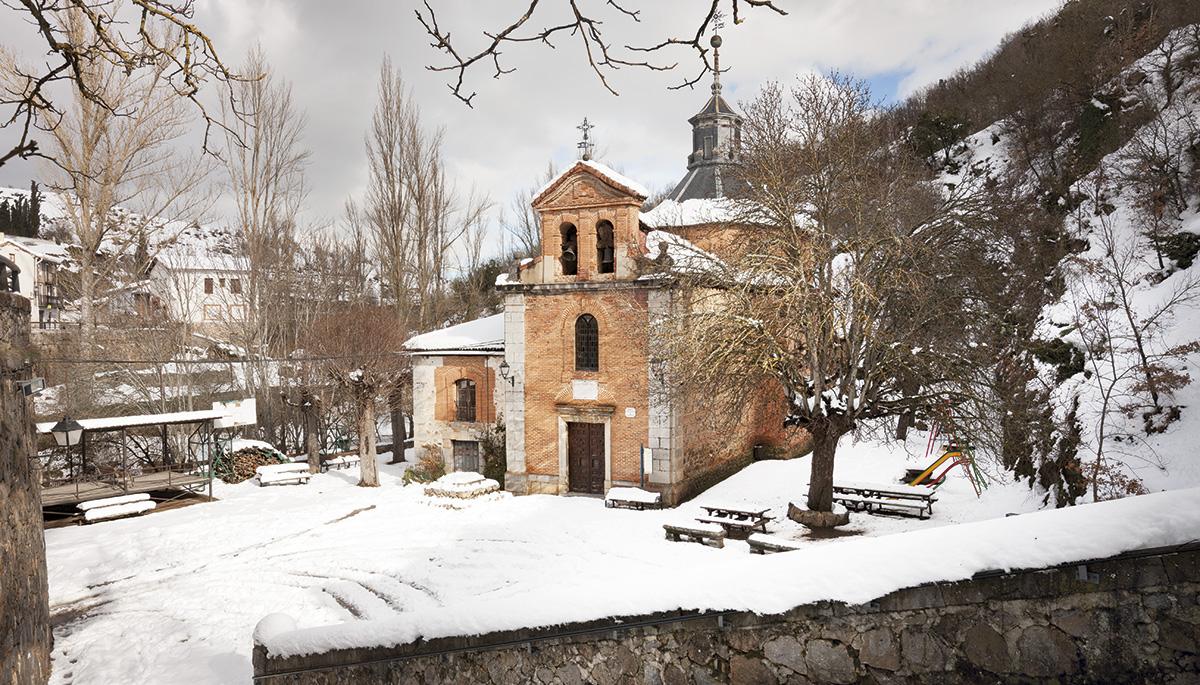 2 · The chapel of Nuestra Señora de los Nogales