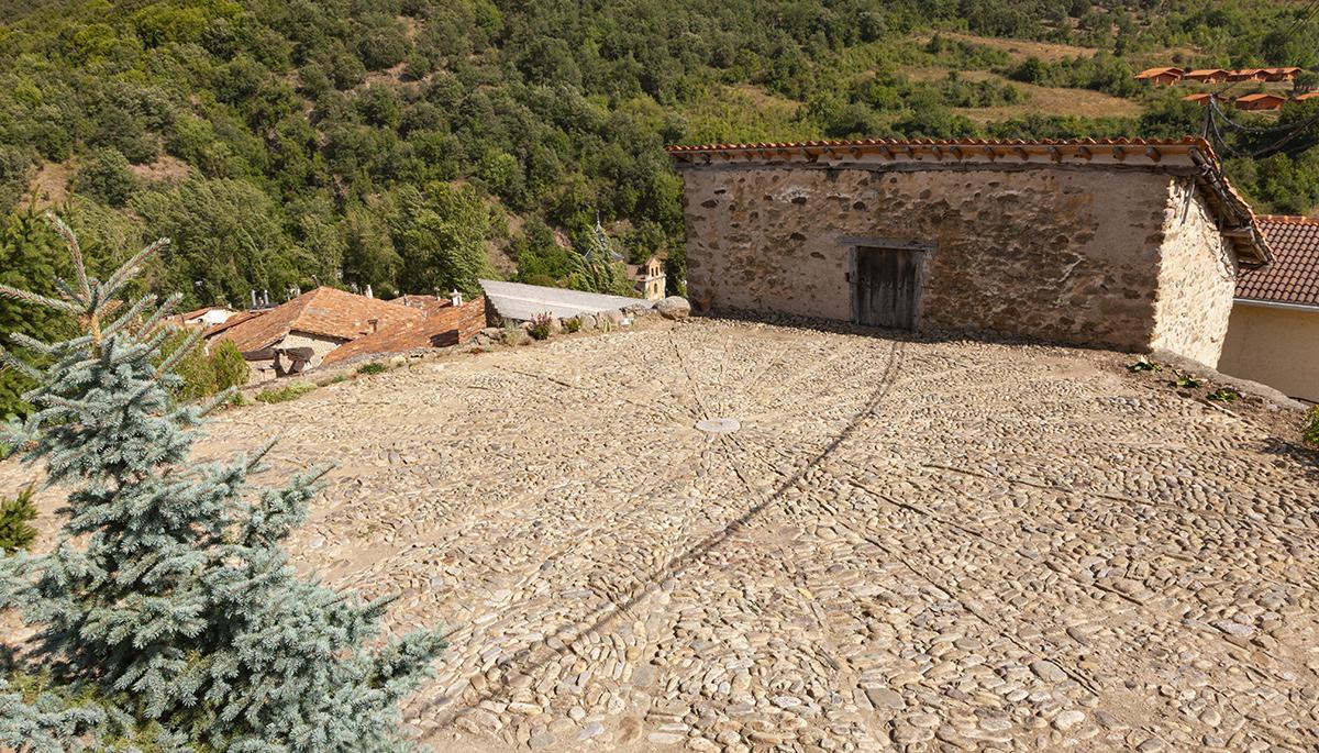 6 · The threshing floors and the chapel of Saint Michael