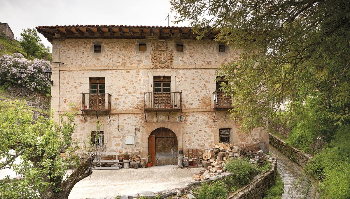 1 · Casa nobiliar